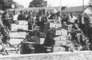 Armamento alemán capturado en Lourdes.