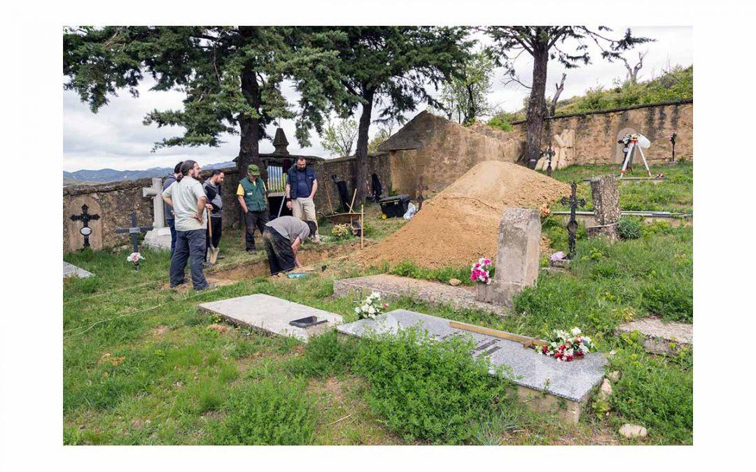 Exhumación y homenaje en Fuencalderas