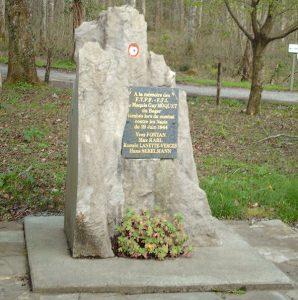 Monumento homenaje en el bosque de Bager (Oloron)