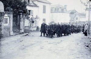 Guerrilla en Moumour, entierro Francisco Cavero-1