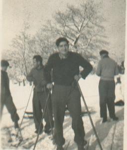 Nicolás Opla esquiando, febrero de 1940.